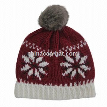 Womens knitted hat with Faux-fur pom-pom